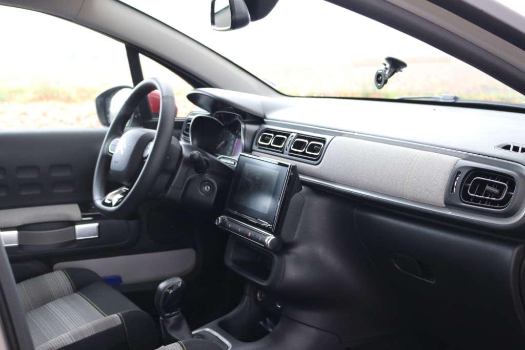 Foto Test Citroën C3 PurTech 82 Feel Innenraum