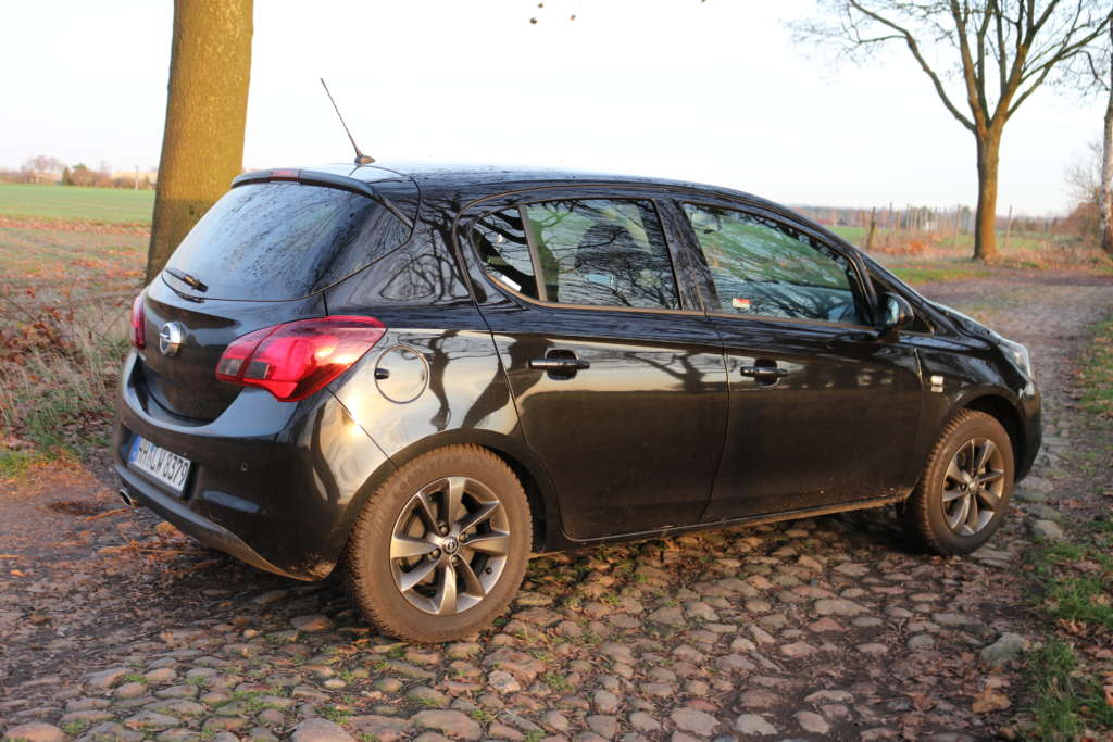 Opel Corsa 1.4 120 Jahre 66kW 90 PS Seitenansicht